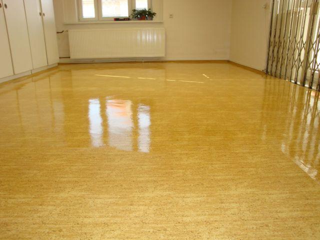 Ochrana podlahy ve sportovním prostoru