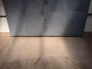 Obrázek - Pryskyřicová průmyslová podlaha hloubkové čištění srovnání