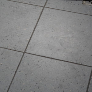Špinavá keramická dlažba