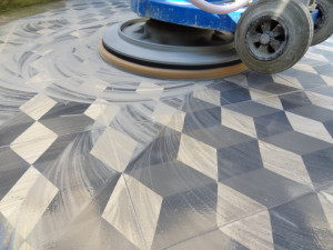 Plošné vyčištění keramické dlažby