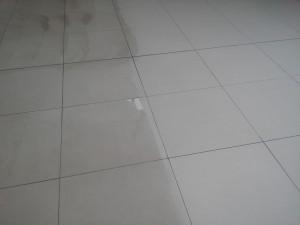 Porovnaní při čištění keramické dlažby