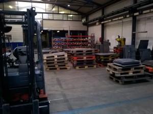 Výrobní hala před čištěním