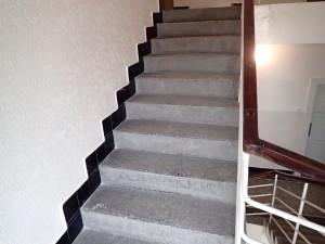 Stav schodu na pudu před čistěním