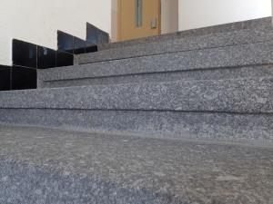 Žulové schody po vyčistění