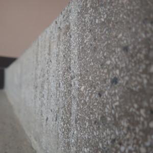 Původní stav terazzových schodů